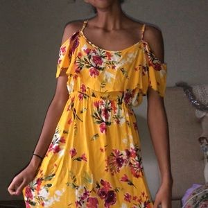 Dresses & Skirts - Yellow Maxi Dress